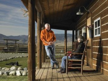 lodge-lover-porch